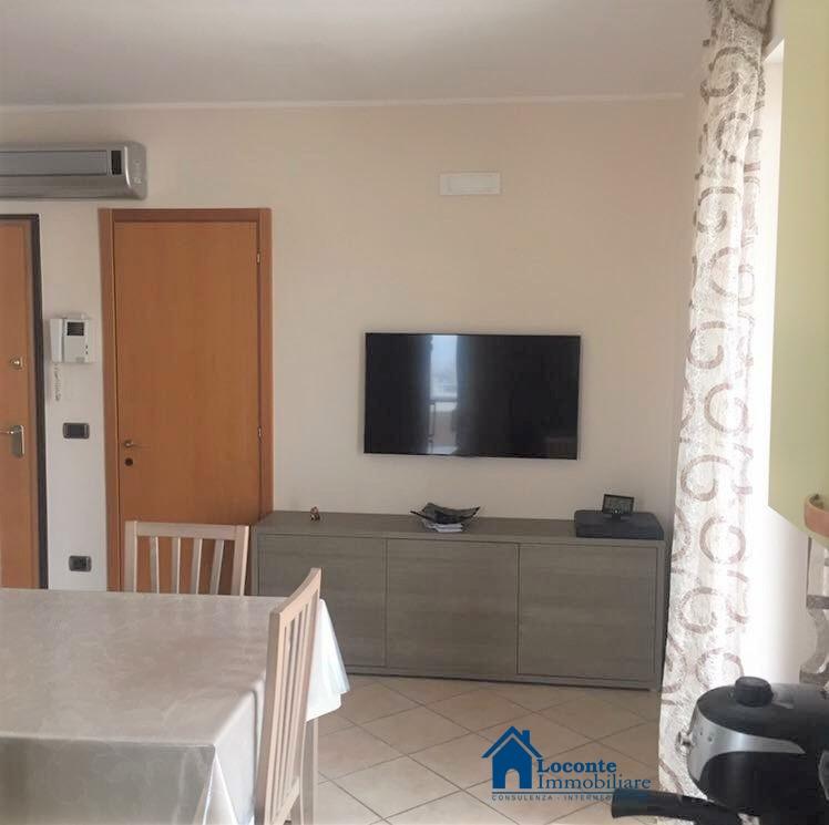 Vendita Appartamenti Capurso - Attico con Terrazzo a Livello e ...