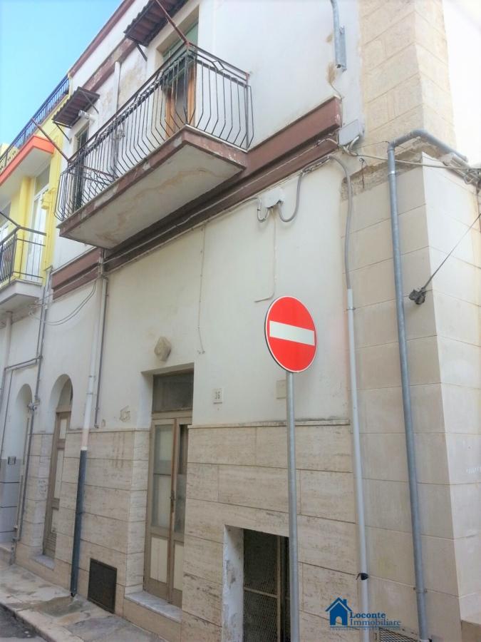 Casa Indipendente vendita CAPURSO (BA) - 3 LOCALI - 80 MQ